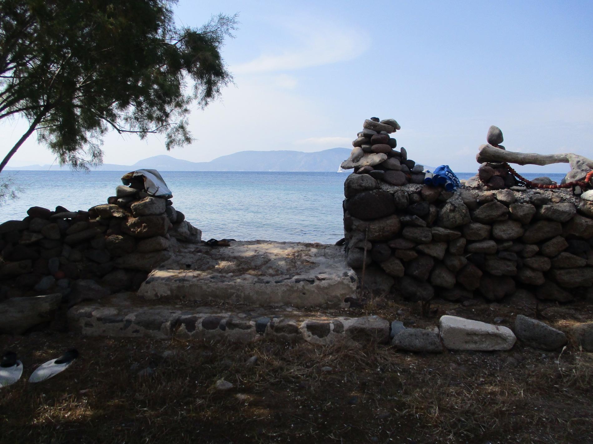 limnisa writing retreat, rock sculptures