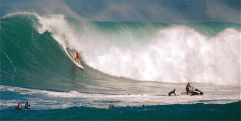 Big Wave Surfing at The Eddie