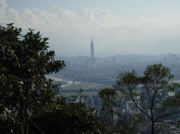 Taipei 101, seen from Jinmiansan.