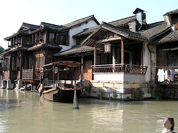 seale_The-canals-of-Wuzhen-by-boat