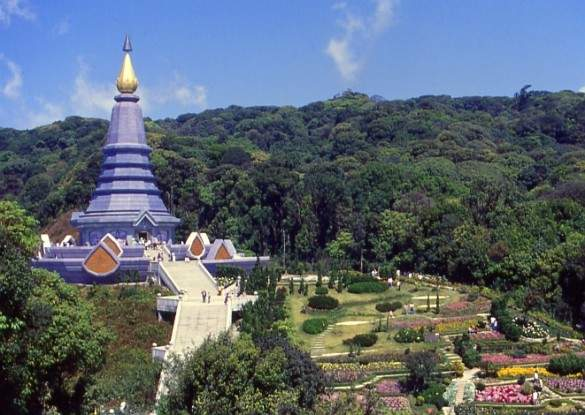 Napapon Chedi - dedicated to the Queen of Thailand