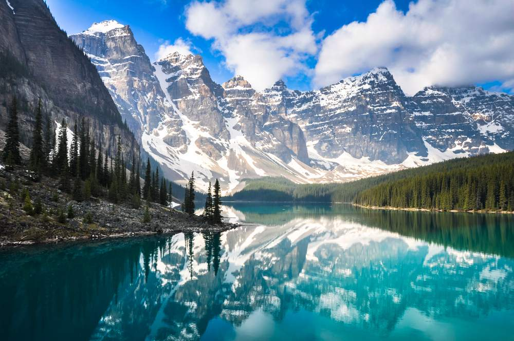 10 Reasons to Visit Canada Now