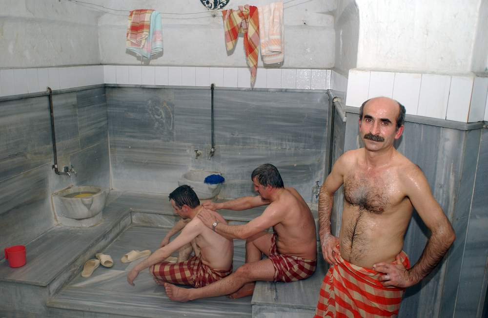 men-naked-turkish-bath-asa-akira-squirting