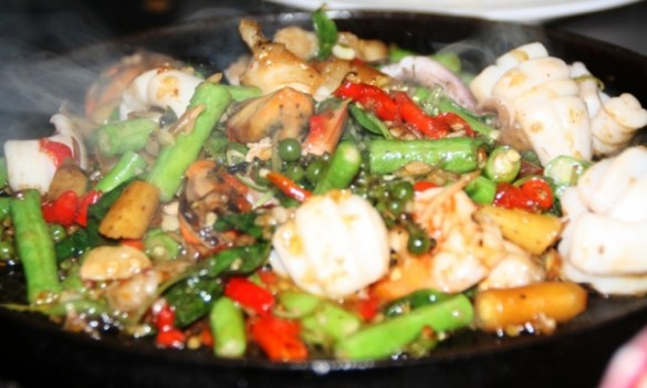 Sizzling seafood with peppercorns