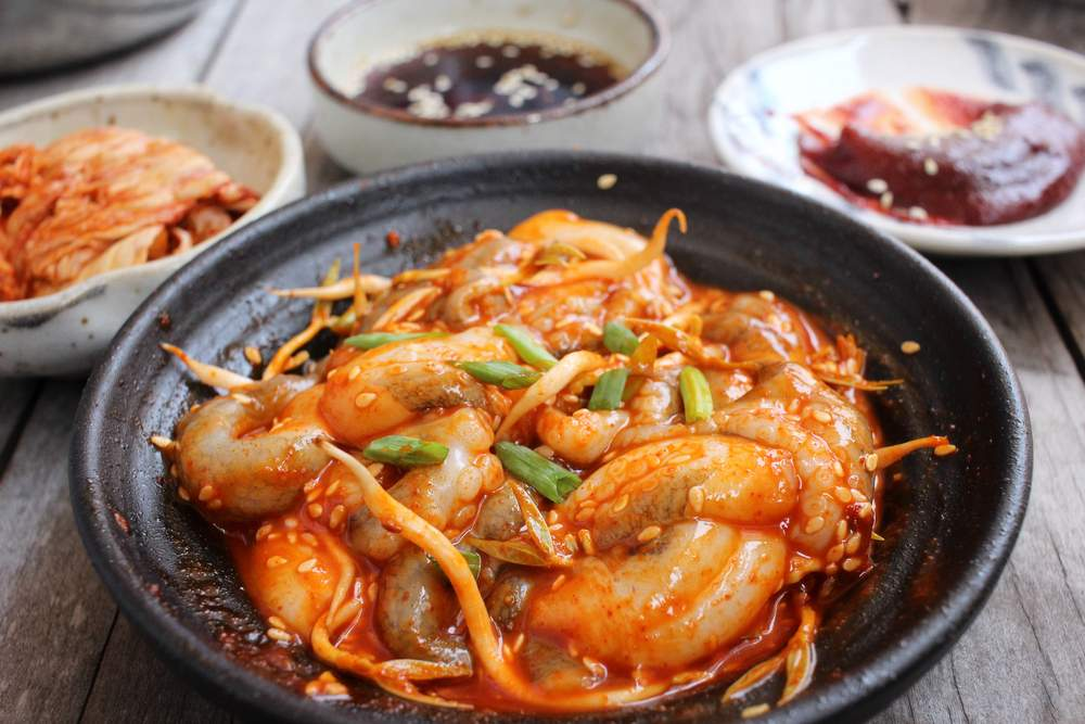 Eat live octopus in Korea
