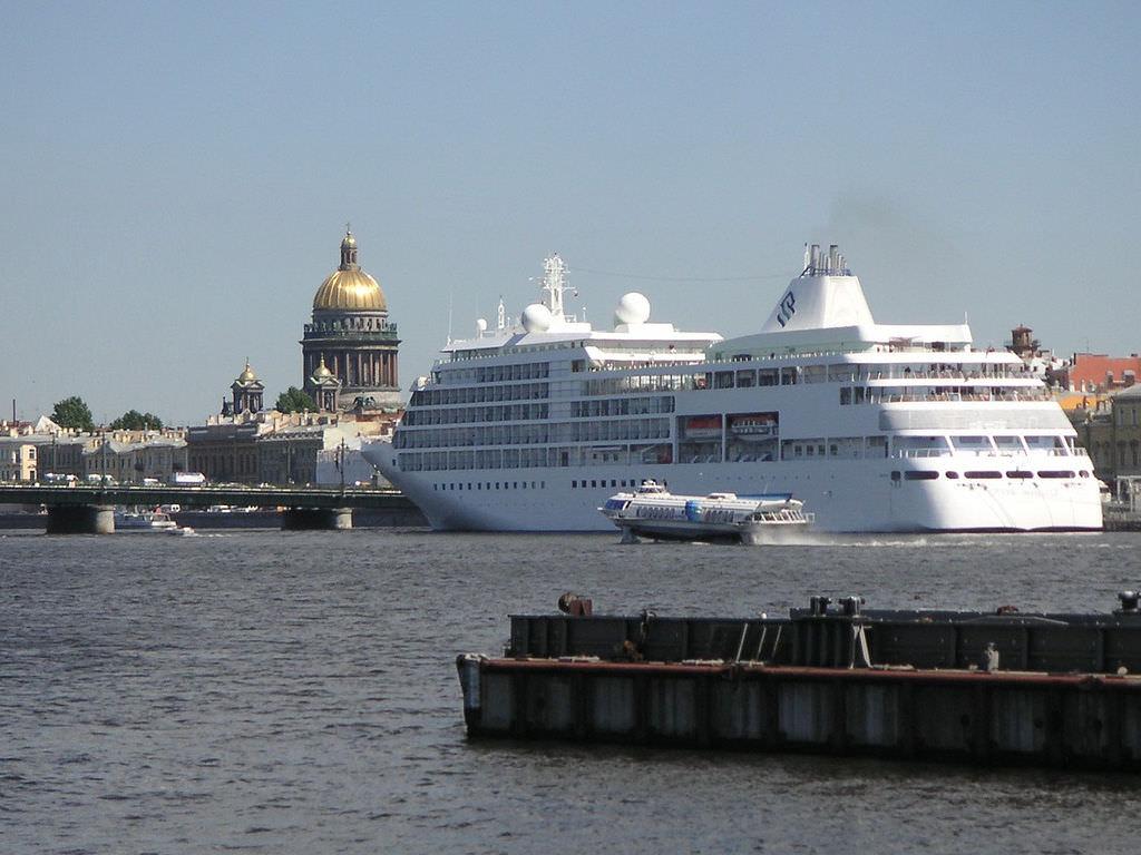 Flickr/Danila Medvedev Silver Wisper on the Neva River